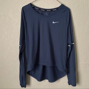 Long sleeve Nike activewear